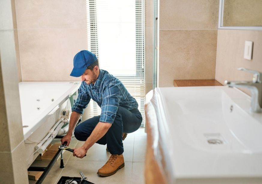 Pretoria East Handyman - bathroom, shower, damp proof, bathtub, basin and vanity, taps, toilet, extractor fan, tiling, plumbing and drain services, installation, repair